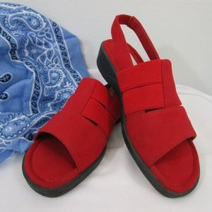 NWOT Red Fabric Grasshopper Sandals 6M